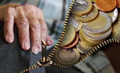 Exekútori dôchodcom na vianočný príspevok siahnuť nemôžu