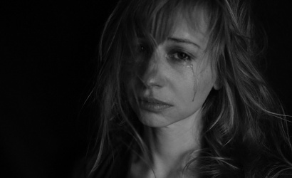 Izolácia a karanténne opatrenia prispievajú k nárastu domáceho násilia