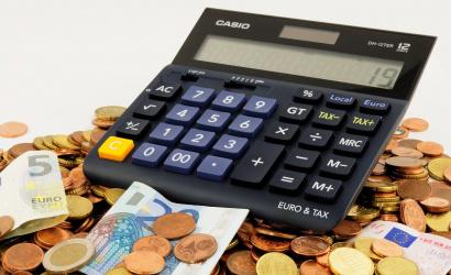 Prudký nárast žiadostí o odklad splátok úverov