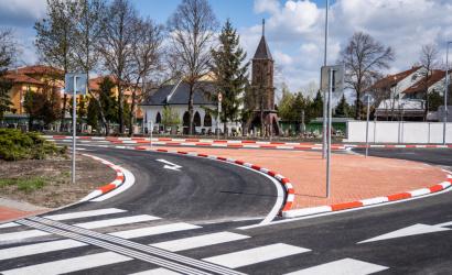 V Dunajskej Strede pribudol kruhový objazd, župa na jeho výstavbu prispela štvrť miliónom eur