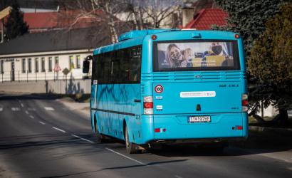 Prímestské autobusy budú znova jazdiť podľa štandardných cestovných poriadkov