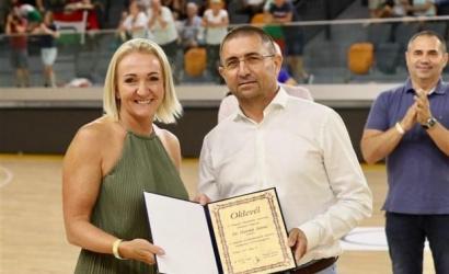 Predseda klubu HC DAC Zoltán Horváth obdržal diplom
