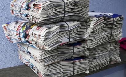V pondelok odvezú do balíkov zviazaný papier