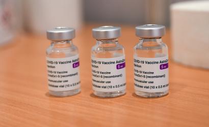 SR pozastavilo očkovanie vakcínou od AstraZeneca pre prvoočkovaných