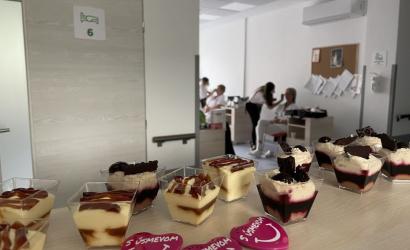 Deň sestier v nemocnici v Dunajskej Strede: Kolegyne nalíčili i ocenili najdlhšie slúžiace