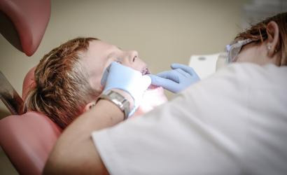Študenti zubného lekárstva by mohli včas zoštátnicovať