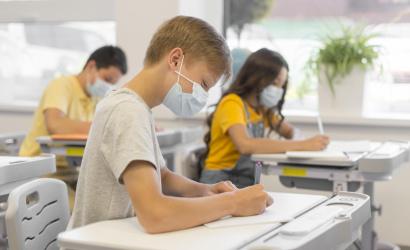 B. Gröhling: V školách sa prezenčne vzdeláva okolo 94 percent žiakov