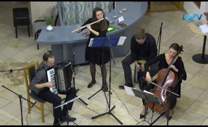 Embedded thumbnail for Skupina Csík a účinkujúci akordeónového festivalu v našom seriáli