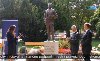 Embedded thumbnail for Bývalý právnik Károly Szladits má v Dunajskej Strede sochu