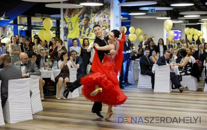 Dobrá nálada na prvom DAC-Kukkonia plese, alebo Little Party Never Killed Nobody