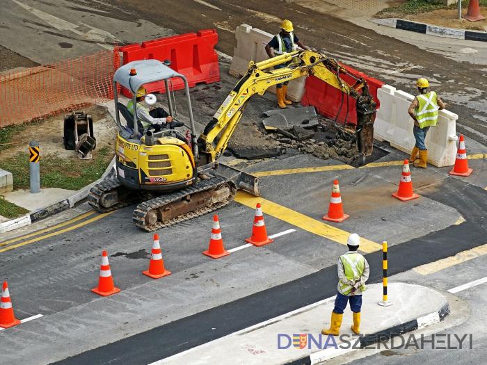 Veľké opravy hlavných ciest na Slovensku za dvesto miliónov eur sa odďaľujú