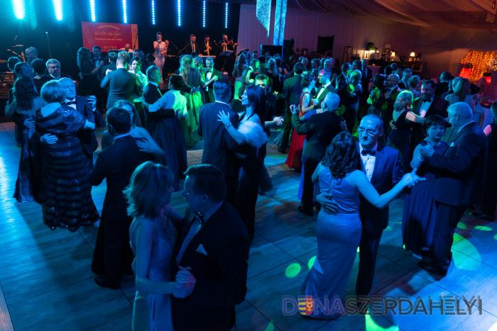 Mestský ples s výbornou náladou a s programom na úrovni