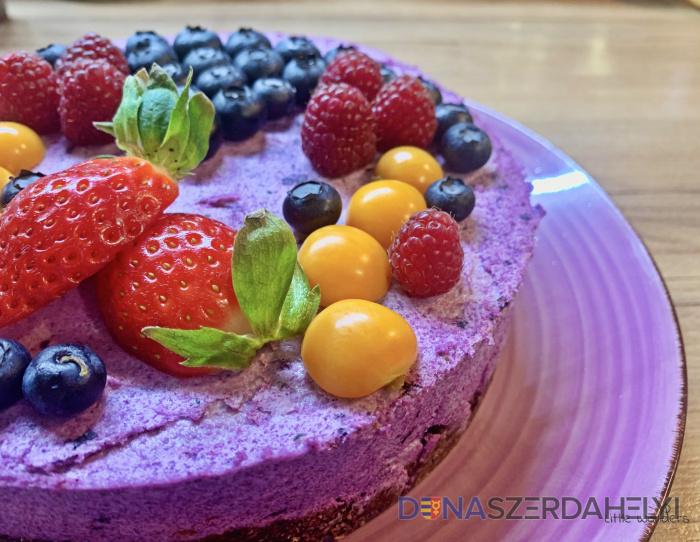 Torta raw s lesným ovocím
