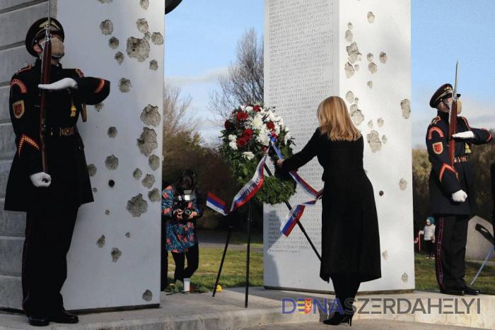 Prezidentka si uctila pamiatku obetí totality, odmietla násilie