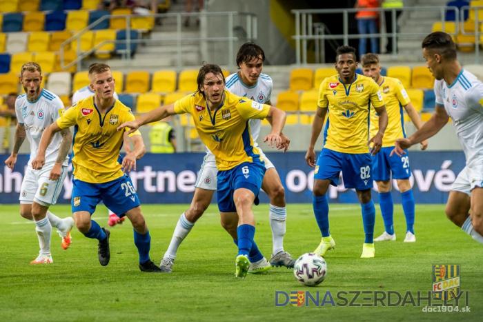 Pred zápasom DAC-Slovan: šláger jesene bez divákov