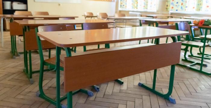 Gröhling chce nový návrh na návrat žiakov do škôl predstaviť do Vianoc