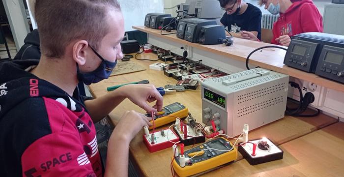 Ponuka Strednej odbornej školy informatiky a služieb v Dunajskej Strede