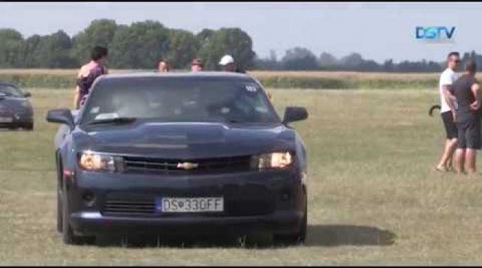 Embedded thumbnail for Obecenstvo očarili zázračné americké automobily