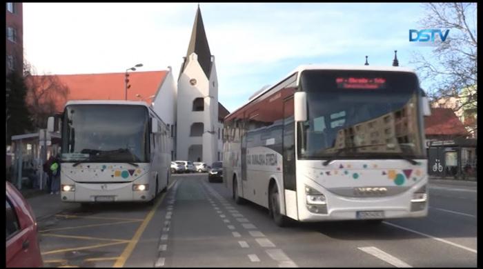 Embedded thumbnail for Cestujúci môžu nastupovať na novej autobusovej zastávke