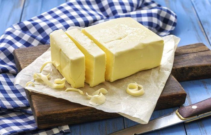 Na tehličke masla zarábali aj jedno euro