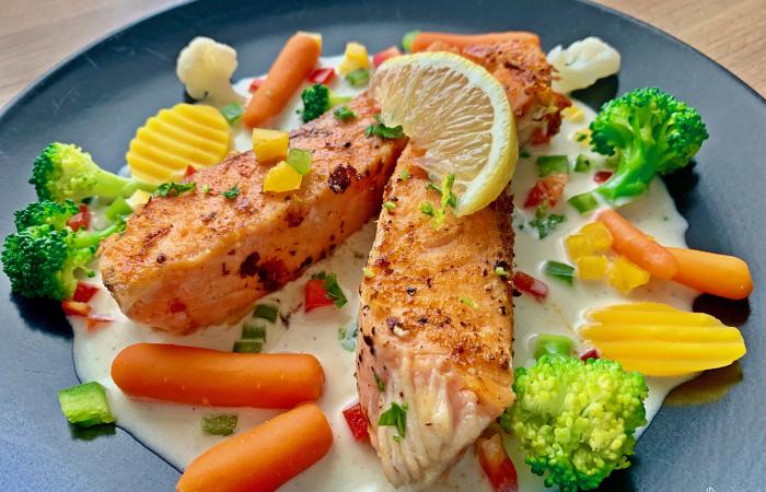 Grilovaný korenistý losos s bielou maslovou omáčkou