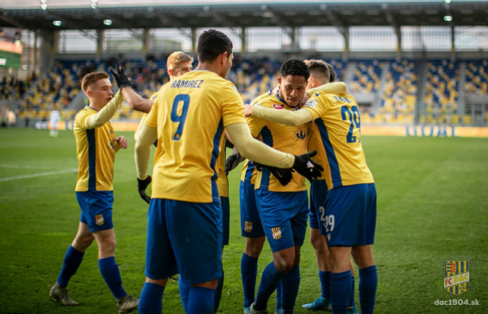 DAC mužstvom víkendu, sedem žlto-modrých v TOP20