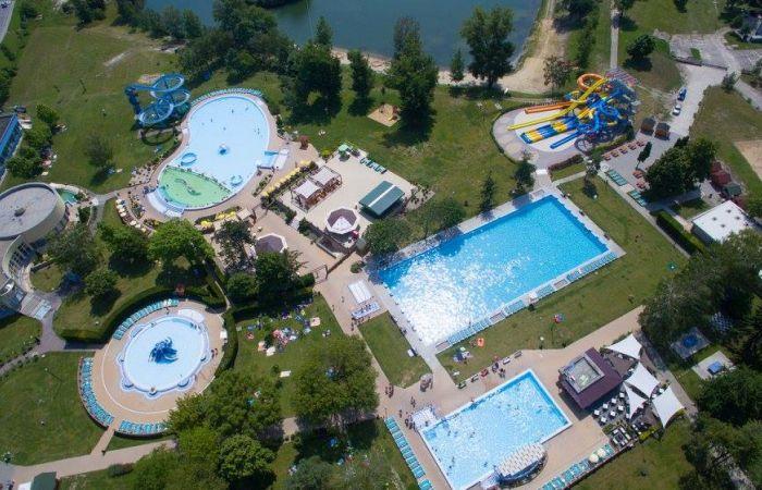 Prebieha modernizácia veľkého plaveckého bazéna