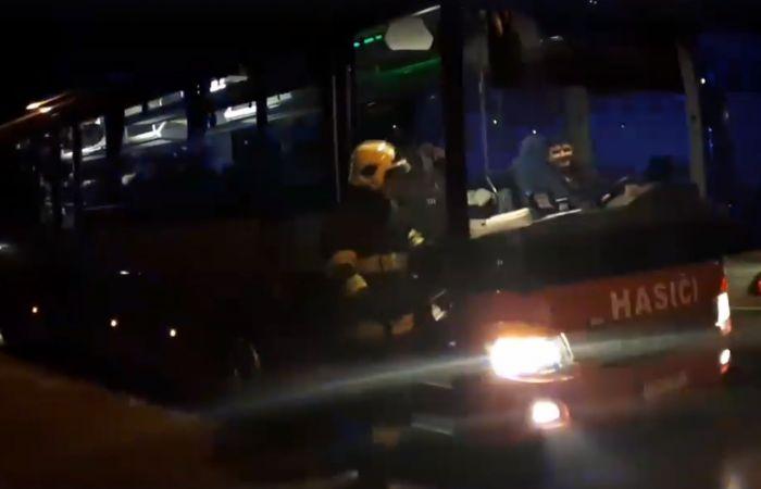 Museli evakuovať obyvateľov bytovky - VIDEO