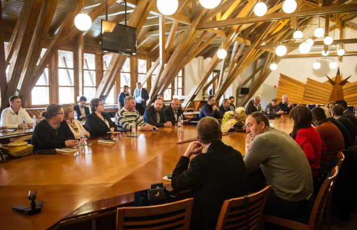 Ako rozvíja župa dunajskostredské stredné školy?