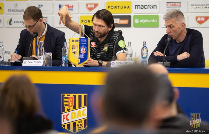 Video: Tlačová konferencia po zápase DAC-Trenčín (3:1)