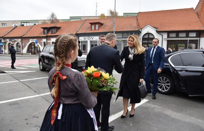 Návšteva pani prezidentky sa nevyhla ani chúlostivým otázkam