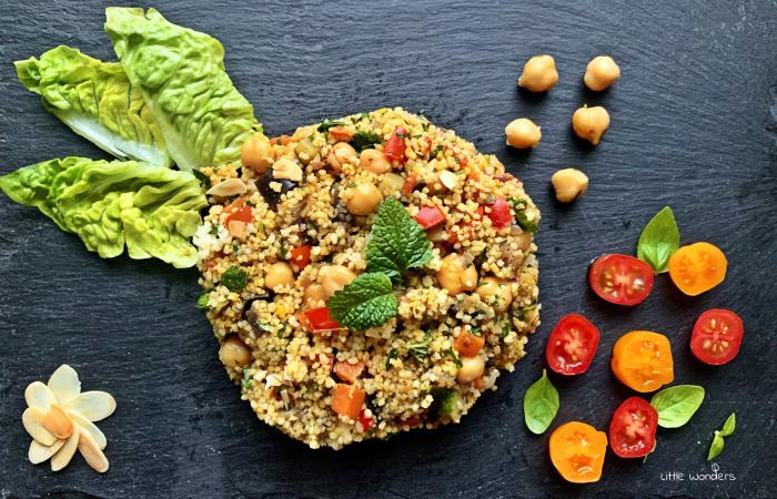 Korenistý kuskus s dusenou zeleninou, cícerom a opečenými mandľami