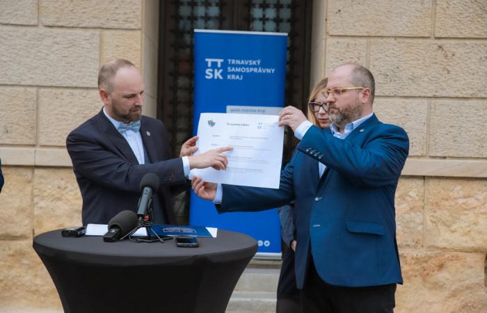 Trnavská župa poskytne 165 tis. € ako prvú pomoc pre kultúru