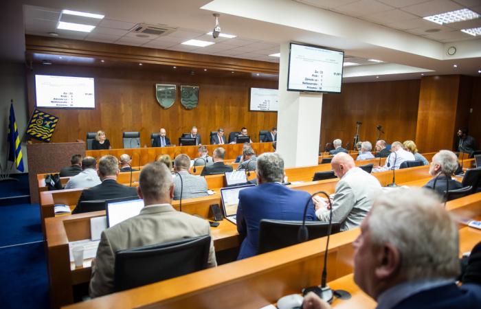 Zastupiteľstvo TTSK: Župa pre krízu upravila rozpočet na tento rok