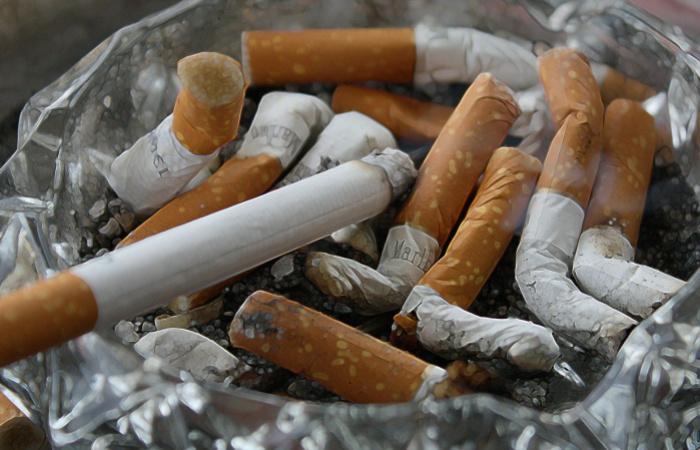 Počet fajčiarov vo svete začal klesať