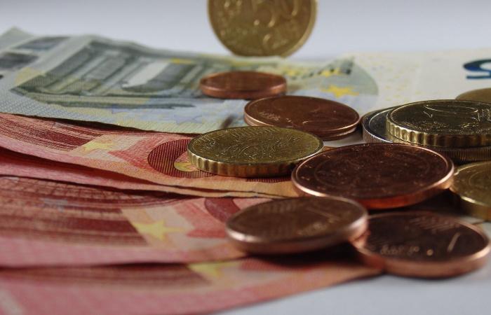 Dávku v nezamestnanosti vlani dostalo 493 tisíc poistencov