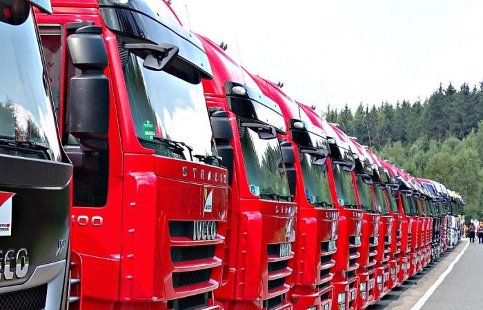 Neúnosné podmienky vyhnali kamionistov do ulíc