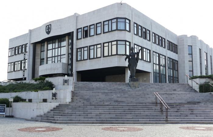 Nový parlament zasadne do 30 dní