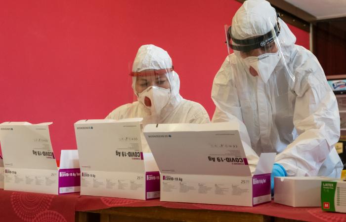 Slovenskí lekári vidia zmysel v cielenom testovaní na nový koronavírus