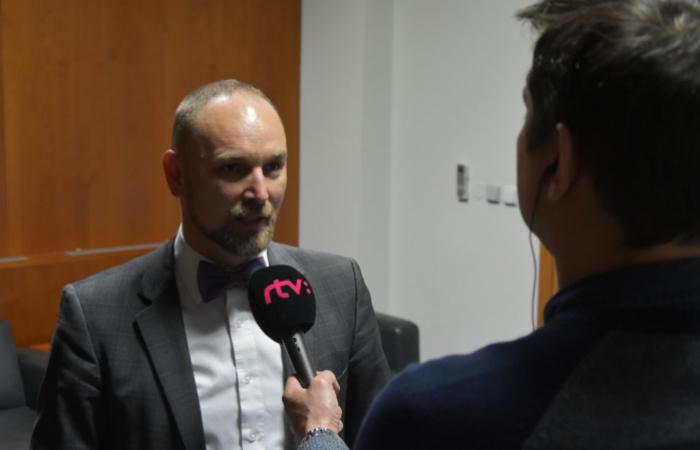 Župa požiadala VšZP o zazmluvnenie zdravotníckych zariadení v Hlohovci a Senici