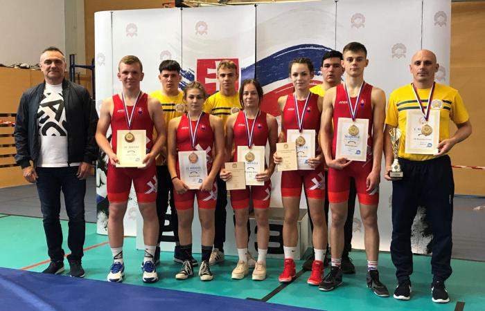 Osem dunajskostredských medailí kadetov na slovenských majstrovstvách vo voľnom a gréckorímskom zápasení