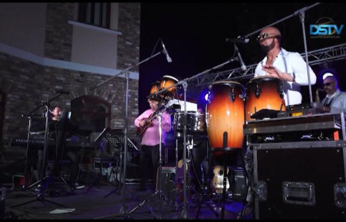 Embedded thumbnail for Koncerty skupín Four Art Singers a Fortissimo koncom leta