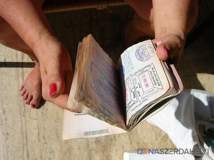 Počet žiadostí o cestovné pasy počas krízy výrazne poklesol