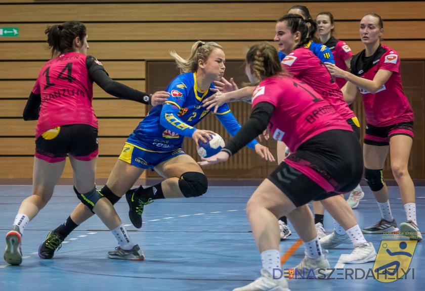 """""""Aj mladé hráčky dostali veľa šancí"""" - HC DAC v Plzni s prehľadom vyhrala"""