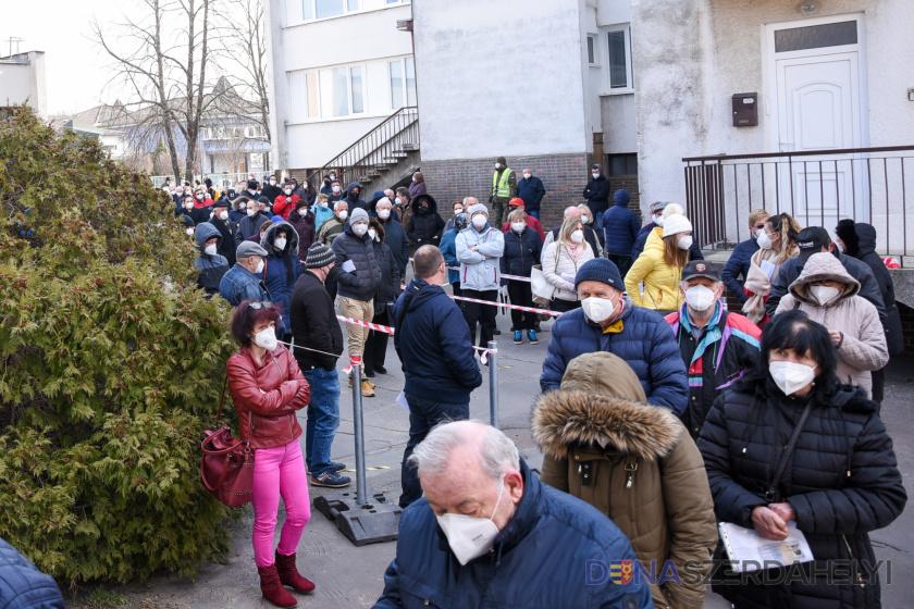 Epidemiologická situácia na Slovensku sa naďalej mierne zlepšuje