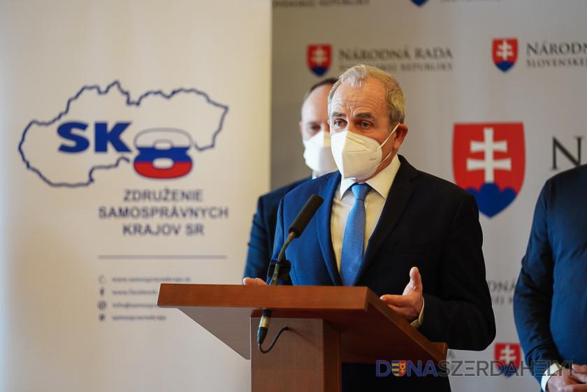SK 8: Samosprávne kraje pripravili novelu zákona ocestnej doprave