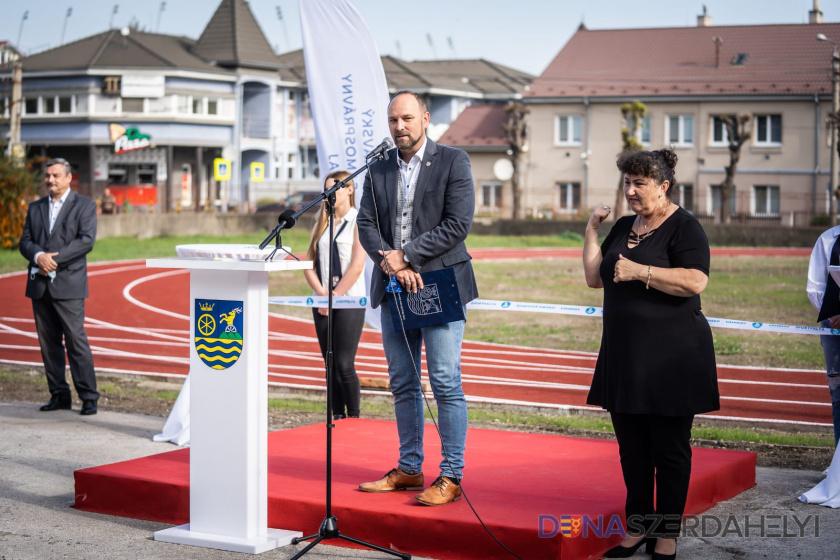 TTSK: Gymnázium Ármina Vámbéryho v Dunajskej Strede dostalo nový športový areál
