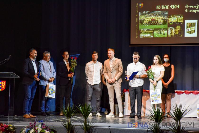 Hetrik: DAC mužstvom roka aj za 2020, Kalmár s cenou Športovec roka